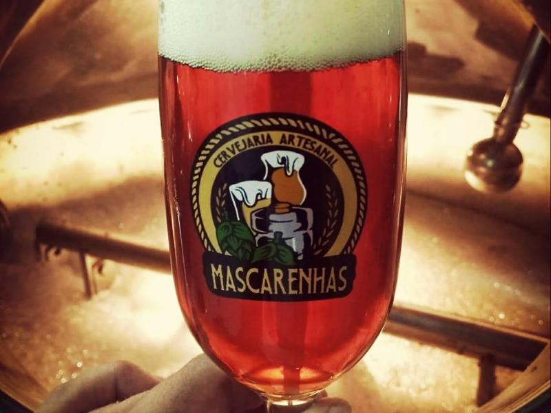 copo com cerveja da cervejaria Mascarenhas